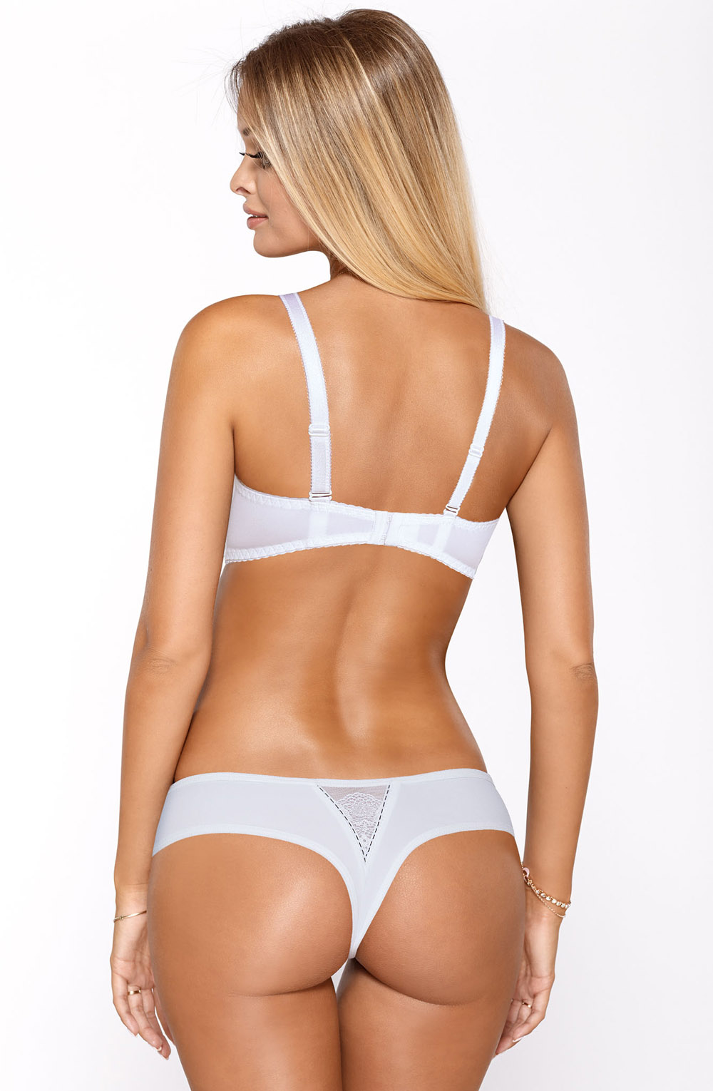 MIA_WHITE_STRING_REAR