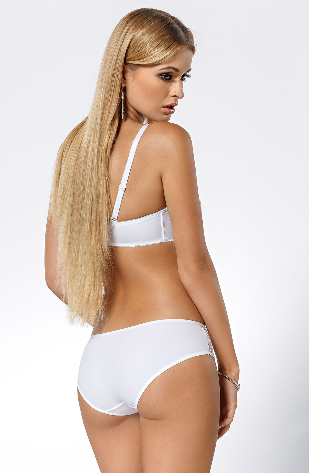 SARI_WHITE_FULL_REAR