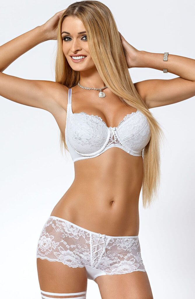 CLEO_WHITE_BRA_PUSHUP